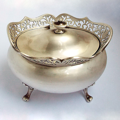 Stunning Large English Antique 1916 solid sterling silver Tea caddy