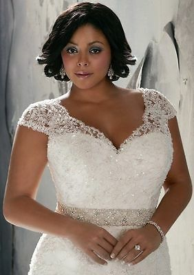 A-Line Plus Size White/Ivory Bridal Gown Lace Wedding Dress Stock Size 14W-26W