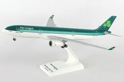 Skymarks SKR837 Aer Lingus Airbus A330-200 Desk Top Display Model 1/200 Airplane