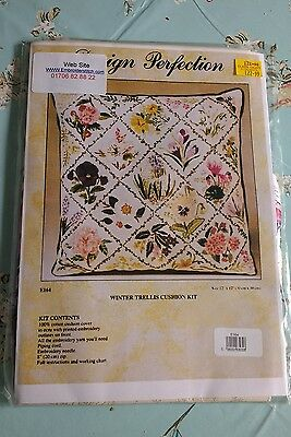 Design Perfection Winter Trellis Cushion Kit   ( New )
