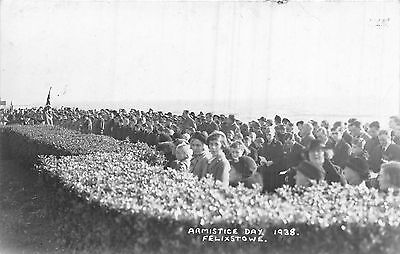 POSTCARD   SUFFOLK   FELIXSTOWE  Armistice  Day  1938      RP