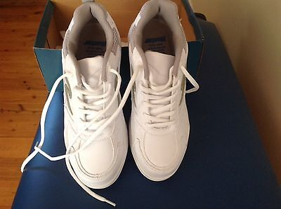 Hunter Ladies Lawn Bowls  Shoes Size 9 New