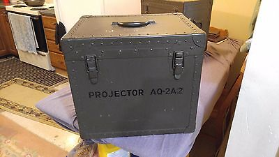 Vintage Large Military Trunk Case Portable Equipment Projector Box Carry Tote