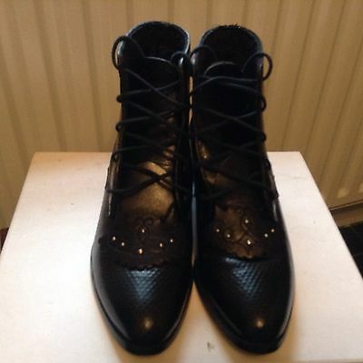 Black leather boots / shoes Size 3 (36). Great quality.