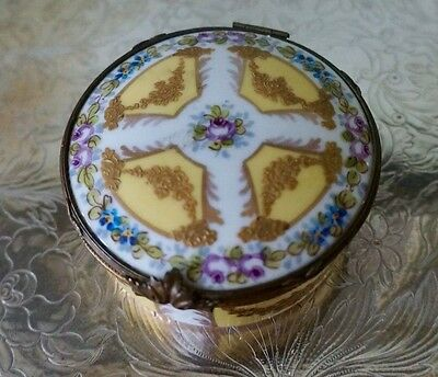 Sevres Garlands of Gold Roses Hand Painted Flowers Covered Box