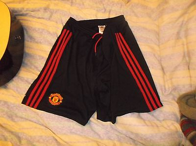 Manchester united  man utd england adidas football shirt shorts size large mens