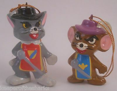 Tom & Jerry Two Mouseketeers Ceramic Ornament Set EUC Musketeers Mouse and Cat