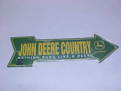 "JOHN DEERE COUNTRY ""NOTHING RUNS LIKE A DEERE""  TIN ARROW SIGN 20"" X 6"" USA Made"