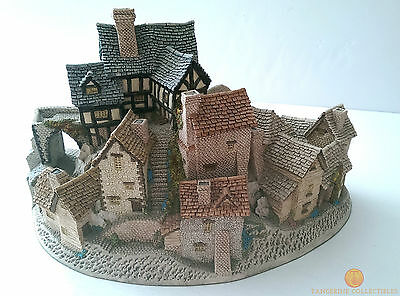 David Winter Cottages THE VILLAGE 1981 Boxed With Certificate of Authenticity