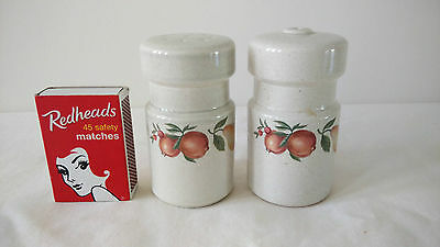 Collectable  WEDGWOOD Quince Pattern England Pears Salt & Pepper Shakers