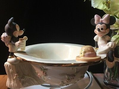 Lenox Disney Collection Sculptural Mickey And Minnie's Afternoon Picnic Bowl