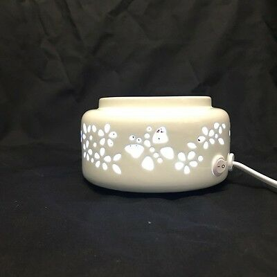 Coloured LED Ceramic Electric Oil / Wax Burner - Butterfly- FREE wax