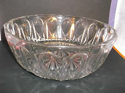 A Vintage Reims France, 205 mm Clear Glass Trifle Bowl with a Star-Cut Base