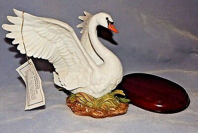 HOMCO - Home Interiors - NEW in BOX - Masterpiece Porcelain Swan Figurine - 1987