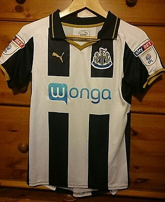 ** Wore Once by a Lady ** NUFC Newcastle United Football Shirt 2016 - Small S