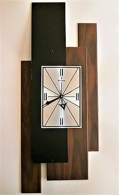 Vintage Mid Century Modern Verichron Floating Panels Battery Op. Wall Clock