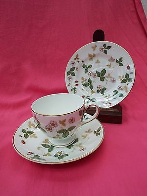 WEDGWOOD Bone China Trio - Cup Saucer & Plate WILD STRAWBERRY