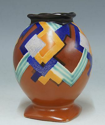 @ A SUPERB @ PZH matt Gouda Art Deco vase with abstract pattern 1930