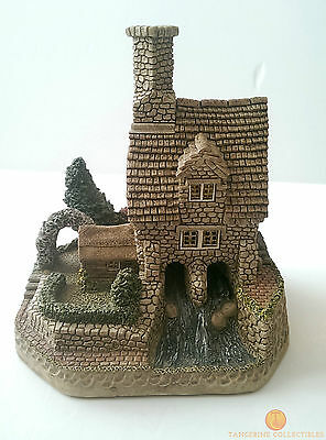 David Winter Cottages THE GAMEKEEPER 1997 Guild Members Special Boxed With COA