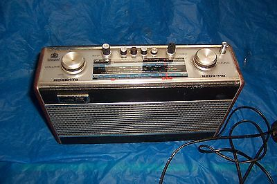 Vintage Retro Roberts Radio R606-MB in working order used needs some restoration