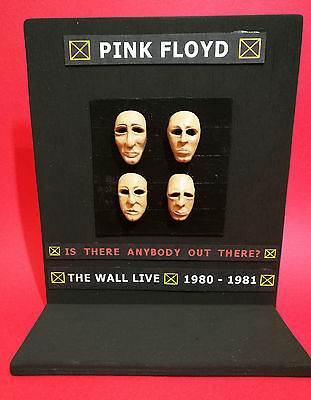 Action Figures Pink Floyd Cover 3D Album Is There Anybody Out There? The Wall