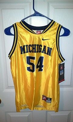 Micbigan wolverines youth size medium 10-12 basketball jersey