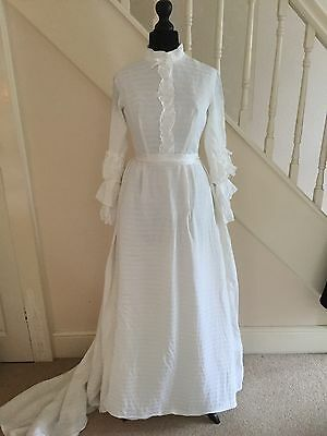 Vintage 1960/70s Wedding Dress-Small-Victorian style