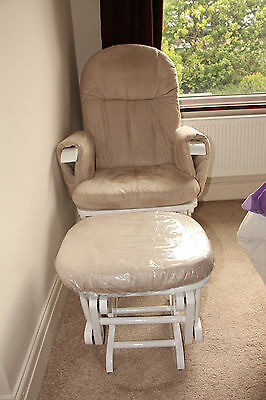 Tutti Bambini Nursing Glider Chair and Stool