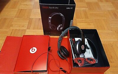 Beats by Dre Black Solo HD with Control Talk