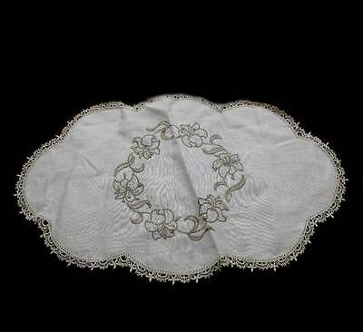 Vintage cream linen lace trim oval embroidered doily measuring approx 46cm long