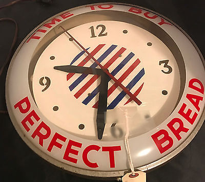 Vintage Perfect Bread Wall Clock