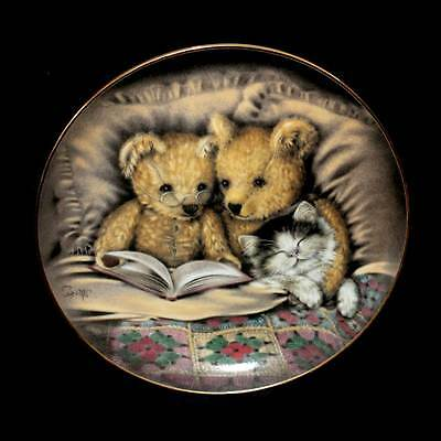 """Vintage Franklin Mint """"Bedtime Story"""" teddy and kitten collector's plate 21cm"""