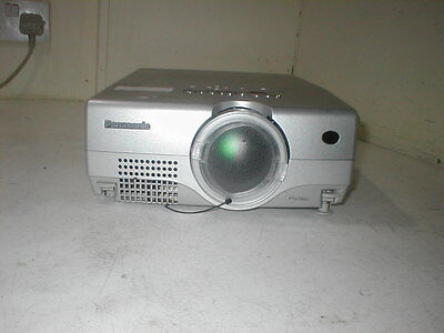 Panasonic PT-L735U 2600ANSI HD 3LCD Projector. Working OK. B1