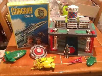 THUNDERBIRDS and Stingray marineville, puzzle and vehicles.