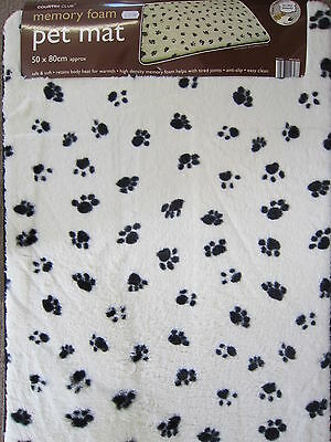 Beam Feature Country Club Memory Foam Pet Mat Pet Cream With Black Paws 126475