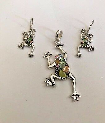 Frog Pendant Matching Earrings Euro Wires Set VTG Jewelry See pics Description