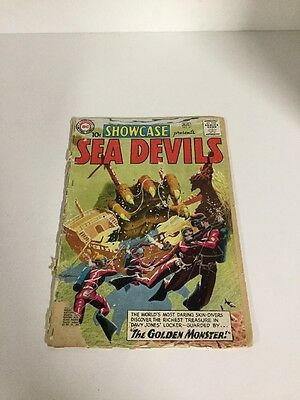 Showcase 27 Sea Devils Fr- Fair- 0.5 Extra Staple Cover Detached Silver Age