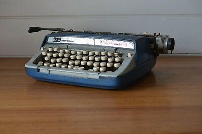 Vintage Typewriter Smith Corona Typewriter Classic 12