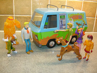 Scooby Doo The Mystery Machine Ghost Patrol Van Includes 7 Figures