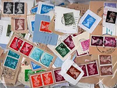 705065  200 grams   GB KILOWARE  **UK FREEPOST** QEII MACHINS 1972-1990