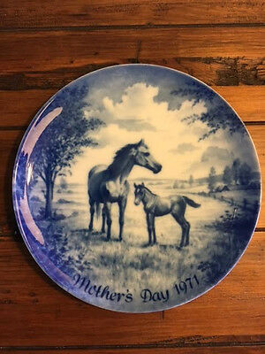 Vintage Collectors Plate-Kaiser-Made in West Germany-MOTHER'S DAY 1971-HORSES