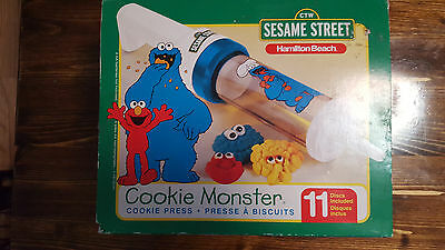Sesame Street Cookie Monster Cookie Press 11 discs Hamilton Beach LOW SHIPPING