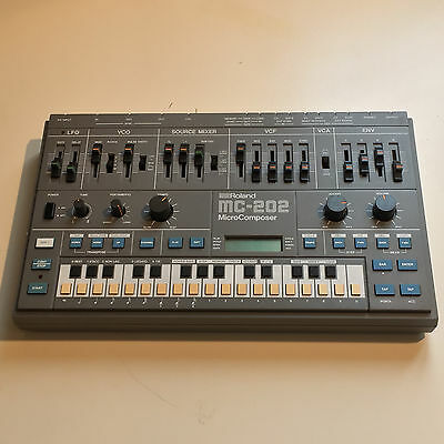 ROLAND Mc202 Mint condition ! Serviced the 03/20/17 ! Analog / Mono / CV Gate