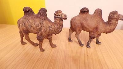P98: Elastolin Composition Camels x 2