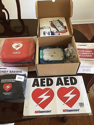 NEW Philips AED Small Business Kit (8 year warranty) COMPLETE KIT $1200+ VALUE