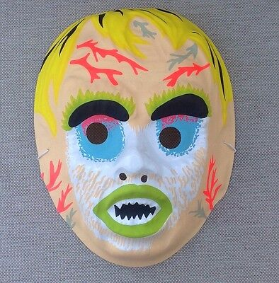 VINTAGE Werewolf Monster Creature HALLOWEEN MASK Mint Shape Plastic Style