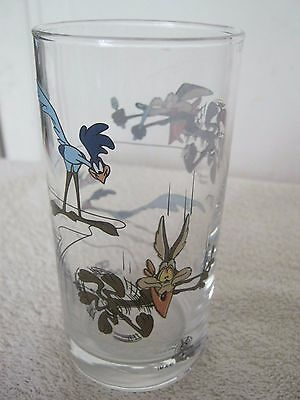 Warner Brothers -  Coyote And The Roadrunner Collectable Drinking Glass