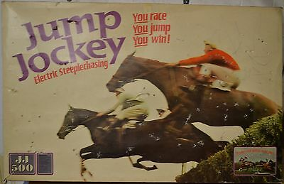 Triang Jump Jockey JJ500 Electric 3 lane Steeplechasing Boxed set