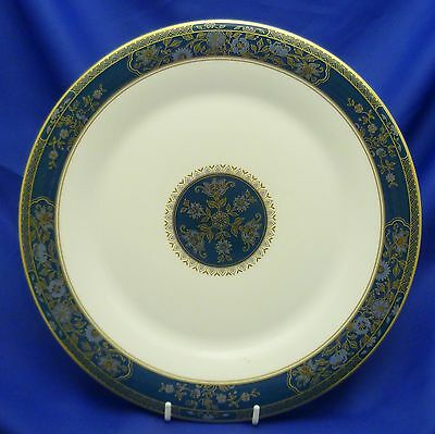 """A Royal Doulton 'carlyle' 10 5/8"""" Dinner Plate"""