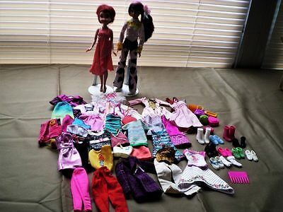 """Huge Lot Of 10"""" Skipper (Barbie Sister) Clothes With Accessories."""